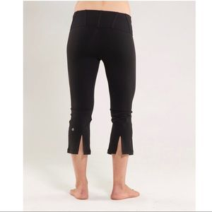 Lululemon Slit Cropped Yoga Pant Black Size 6